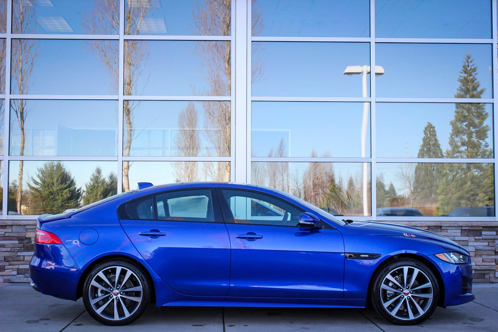 New 2018 Jaguar XE 25t R-Sport 4dr Car in Bellevue #59807 ...