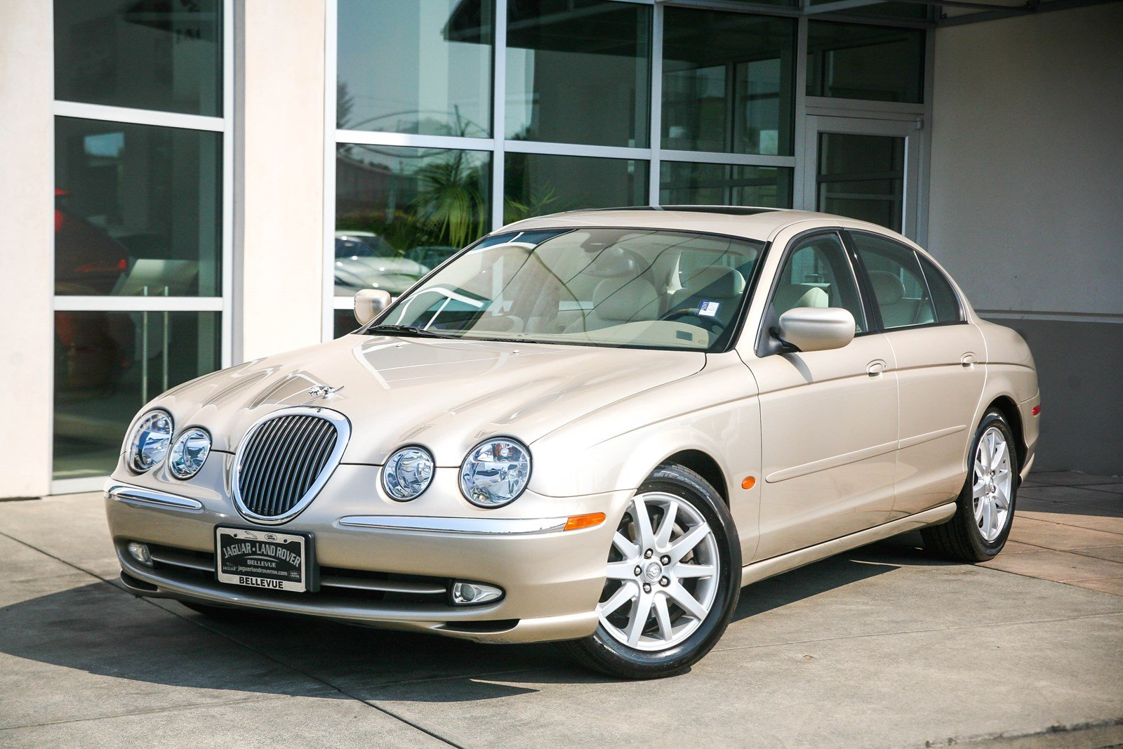 Pre-Owned 2000 Jaguar S-TYPE V8