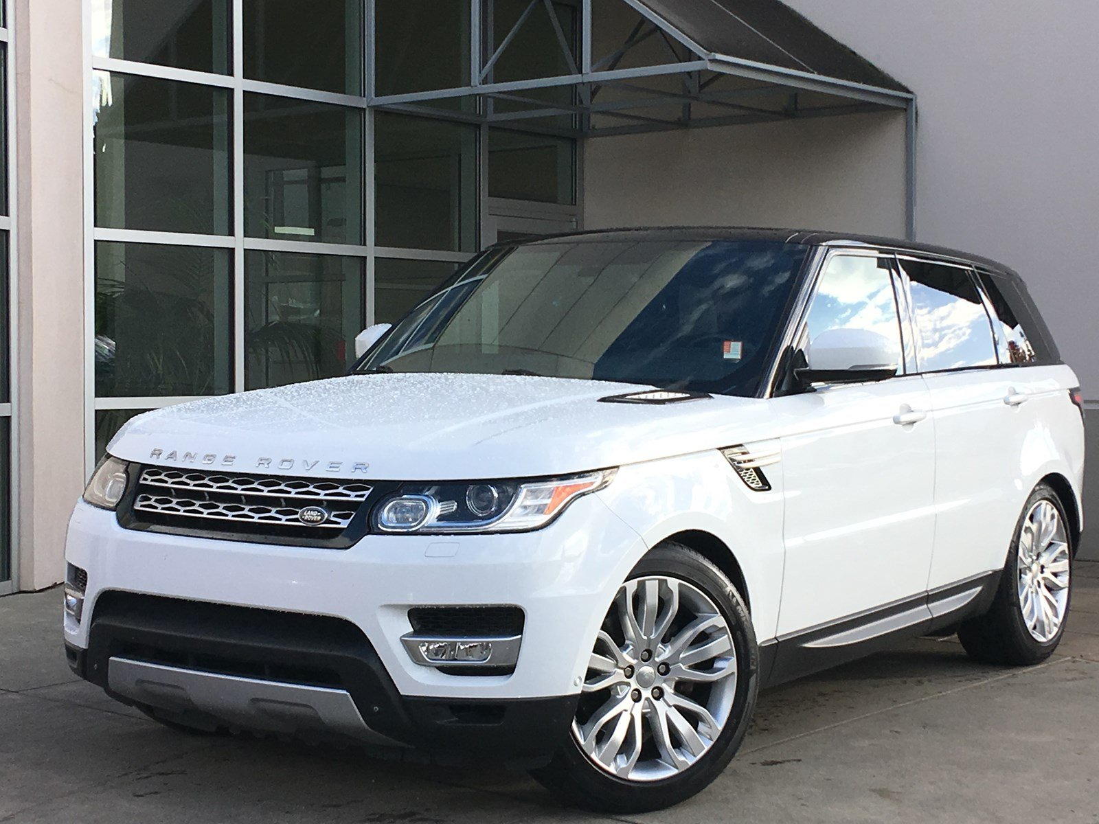 pre owned 2014 land rover range rover sport hse sport. Black Bedroom Furniture Sets. Home Design Ideas